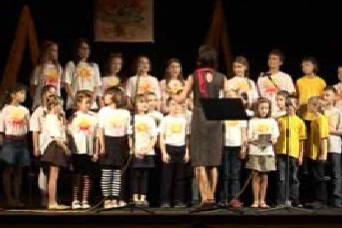 Dětský pěvecký sbor na vystoupení v Třebíči