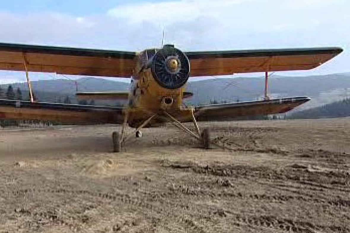 Práškovací letadlo