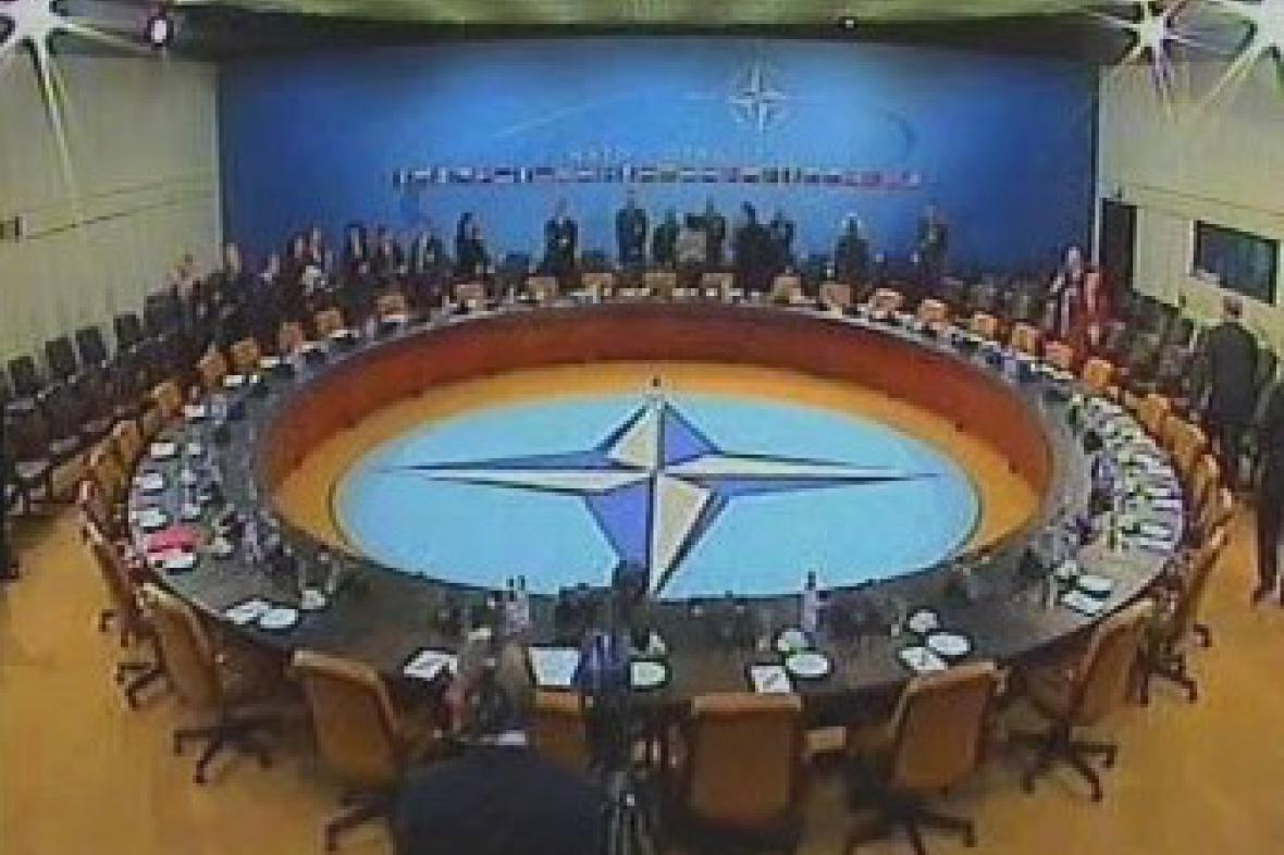 Jednání NATO