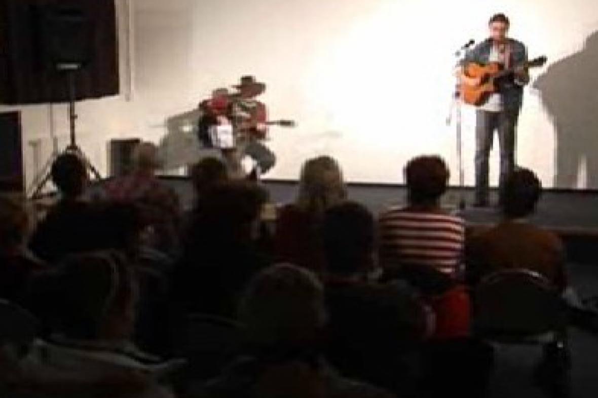 Koncert folkových zpěváků