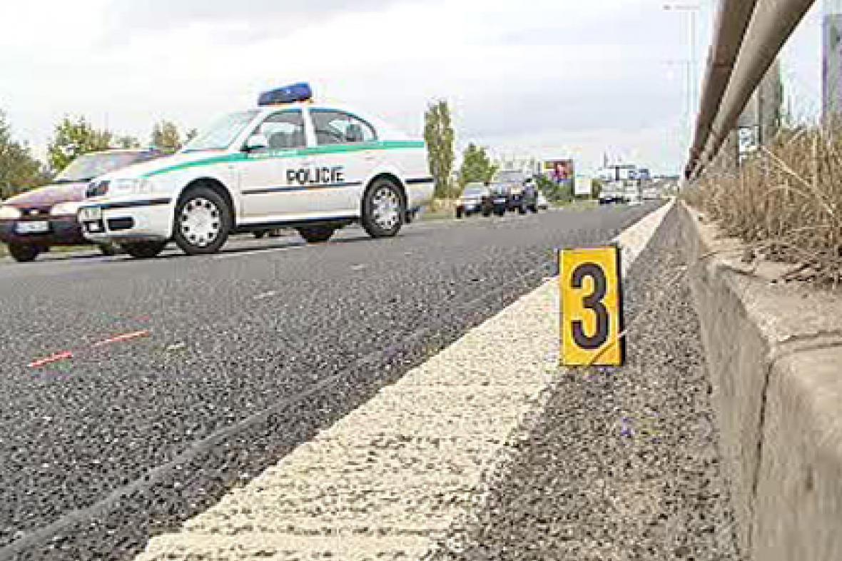 Policie u místa dopravní nehody