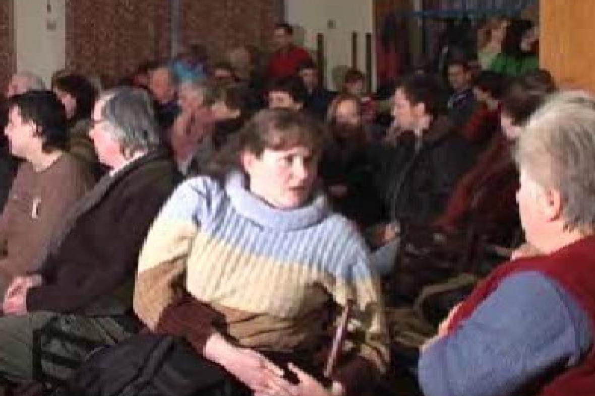 Diváci před filmovou propjekcí