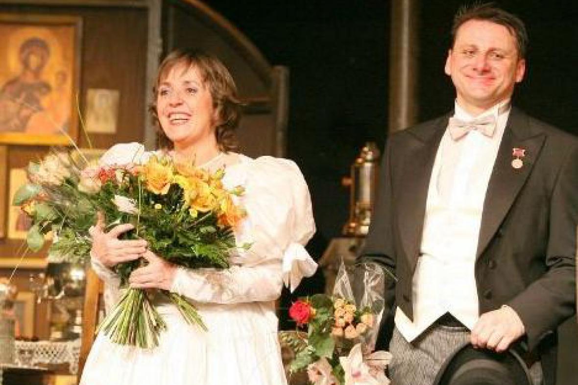 Ženitba v Divadle Na Jezerce