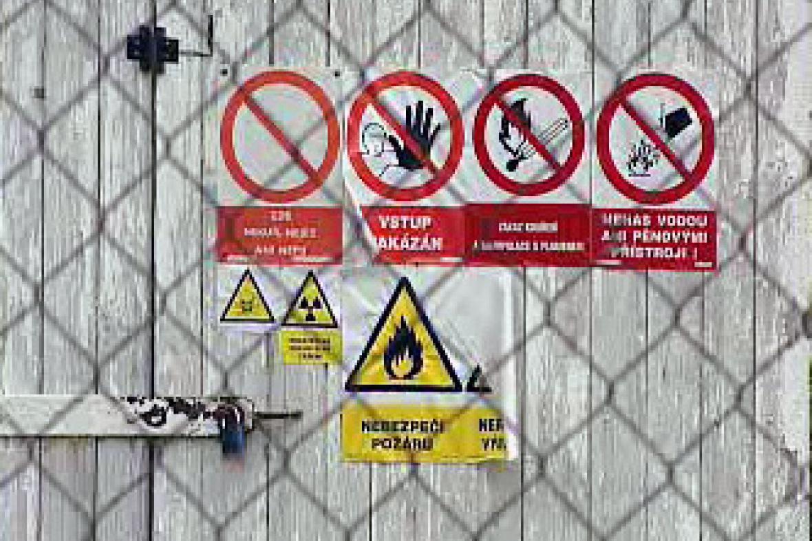Nelegální sklad chemikálií