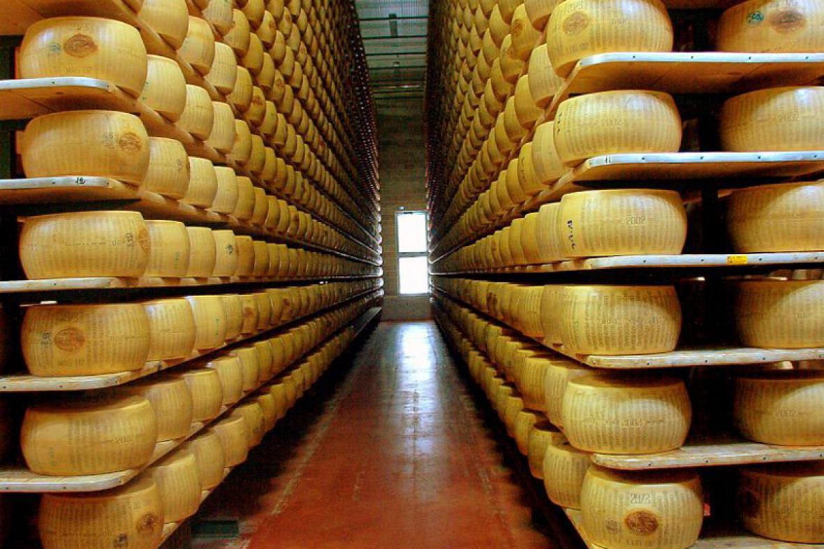 Továrna na sýr Parmigiano Regiano