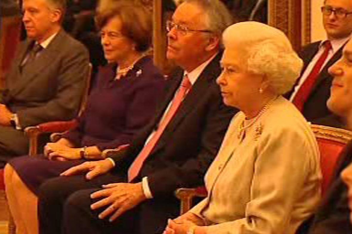 Královna Alžběta II. na koncertě