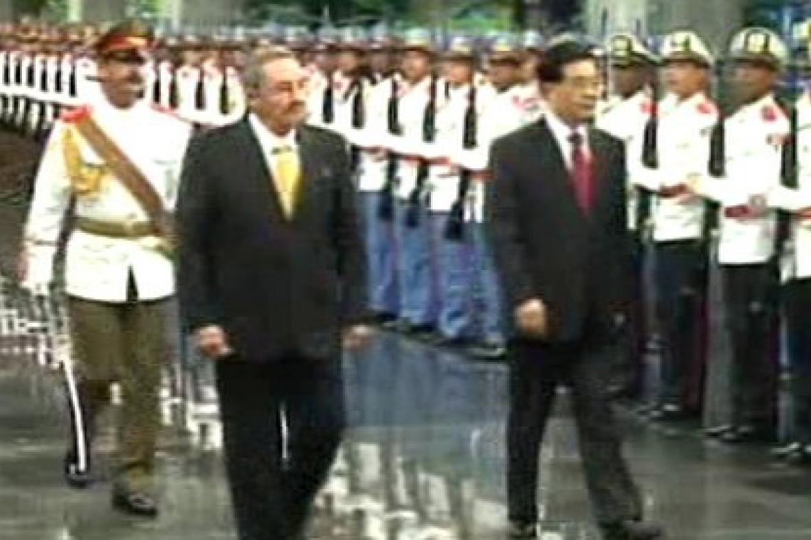 Předseda Čínské lidové republiky a kubánský vůdce