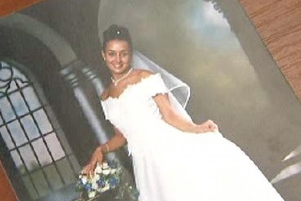Svatební fotografie zavražděné