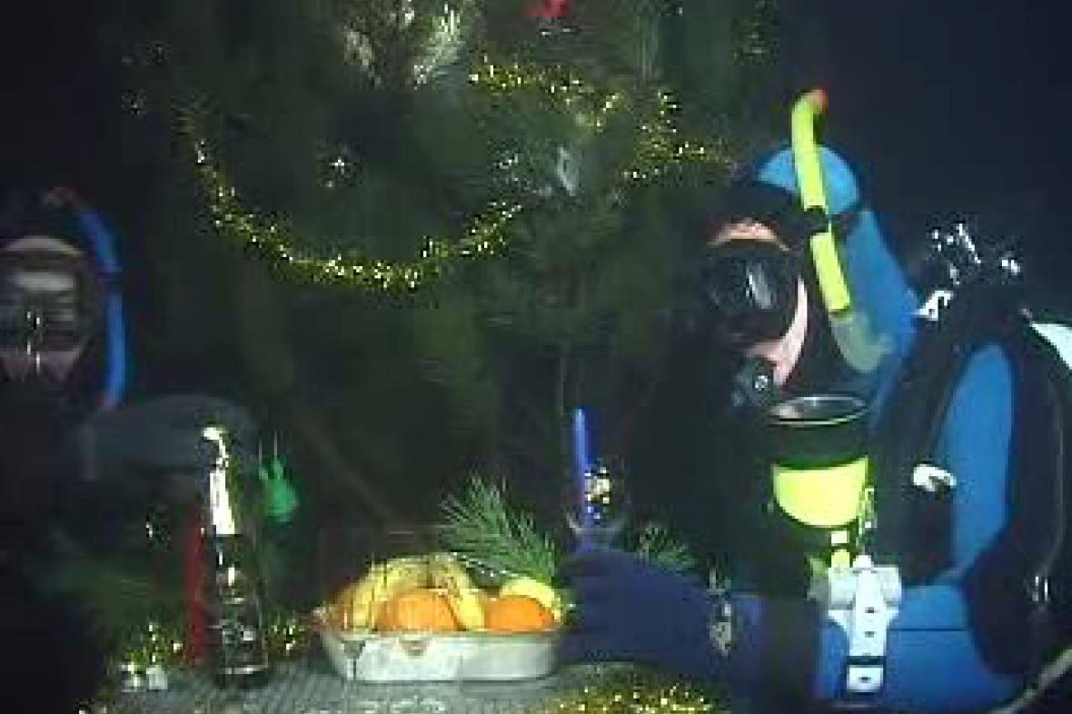 Potápěči slaví konec roku