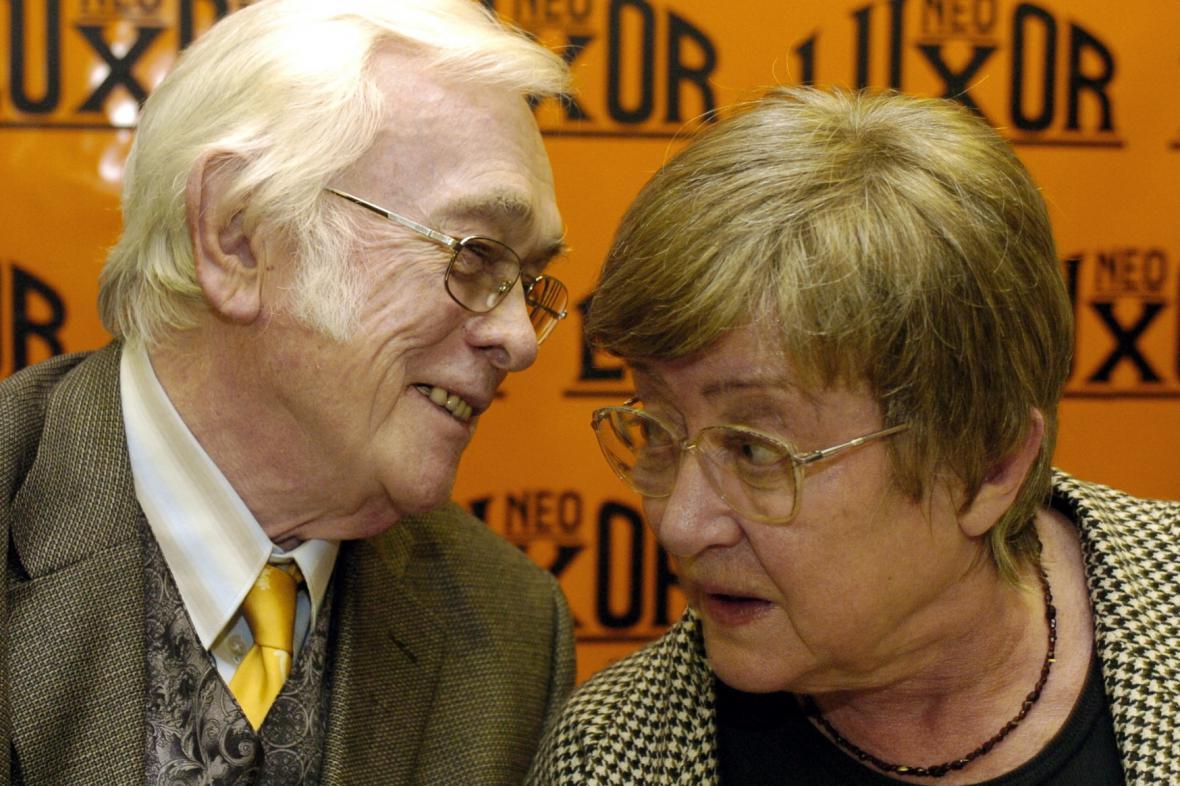 Zdena Salivarová s manželem Josefem Škvoreckým v roce 2004