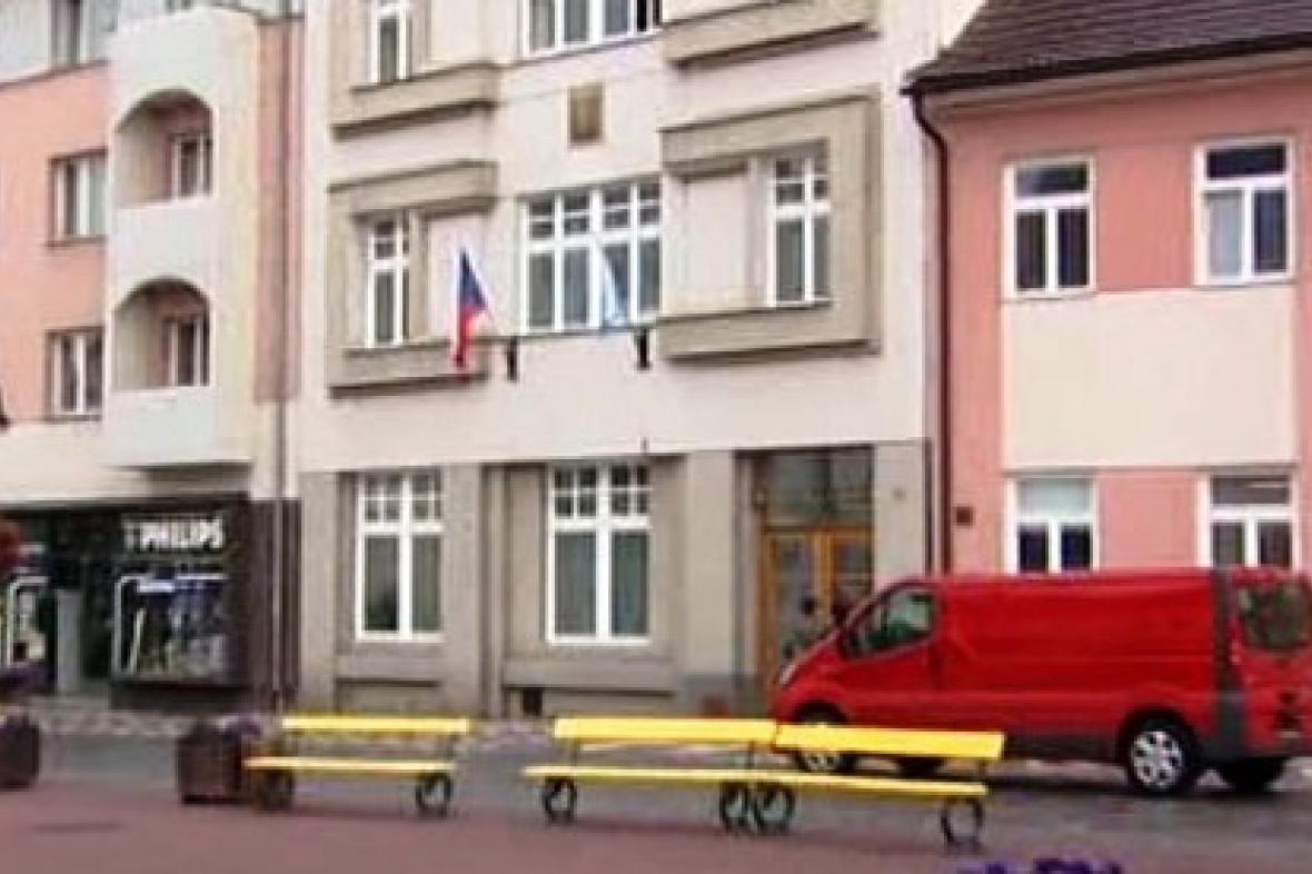 Jičínská radnice chce zavést akreditaci novinářů