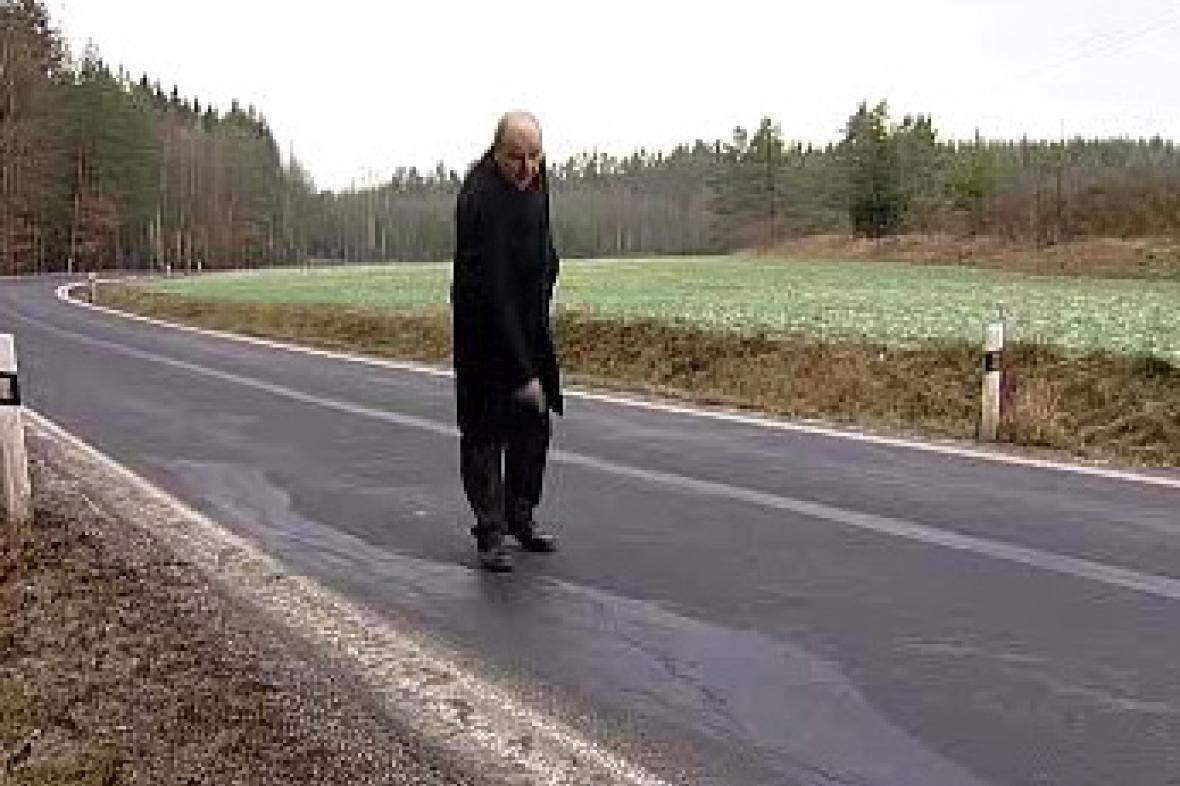 Závada na opravené silnici