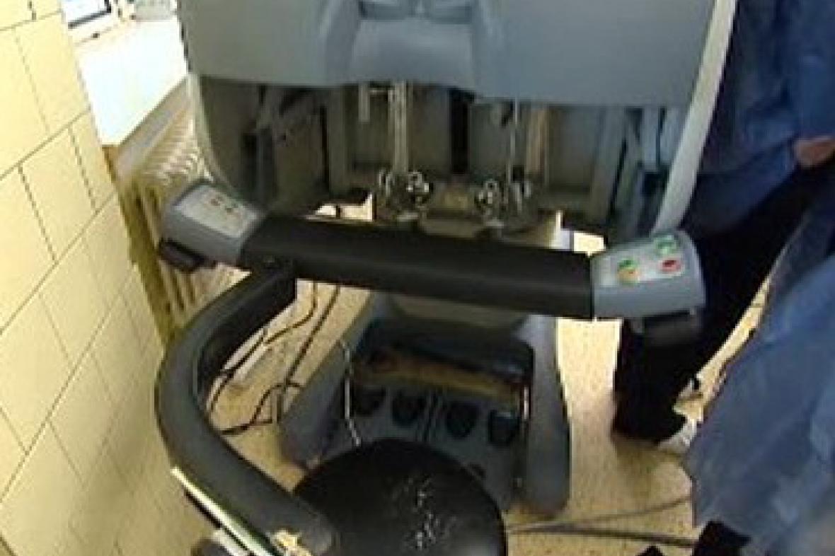 Ovládací konzole robota Da Vinci