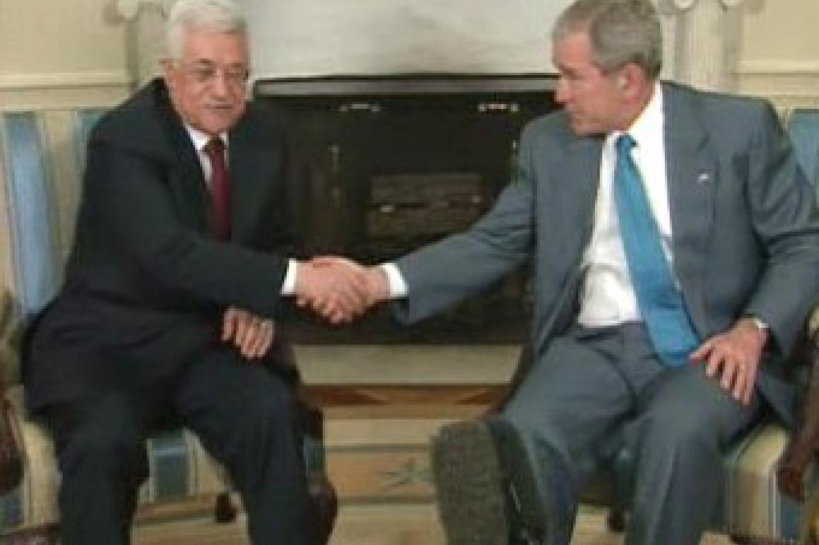 George Bush a Mahmúd Abbás