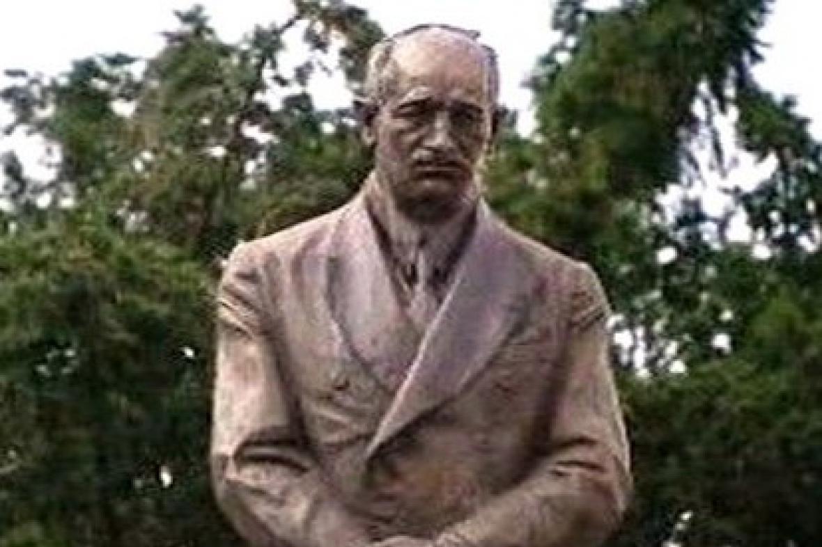 Socha E. Beneše