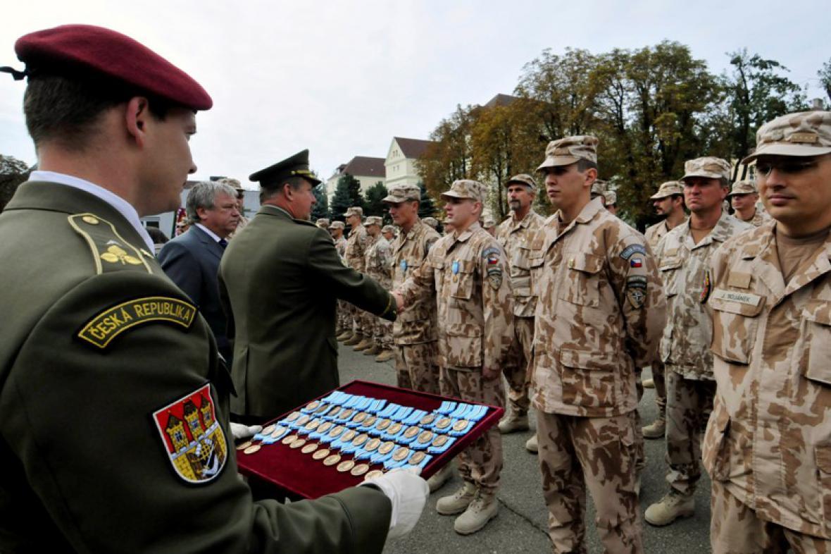 Vojáci z Lógaru dostali medaile
