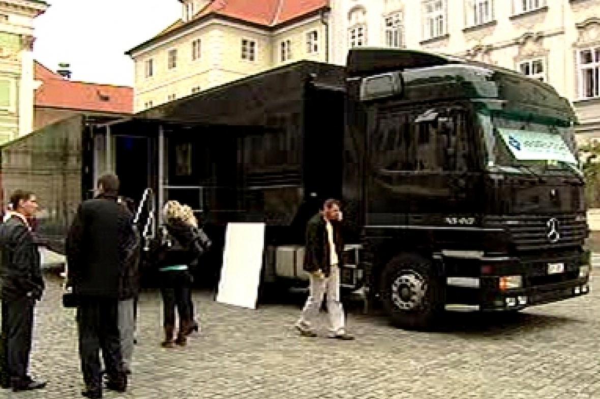 Kamion na Ovocném trhu
