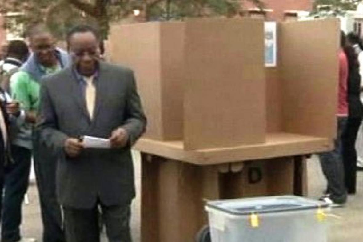 Parlamentní volby v Angole