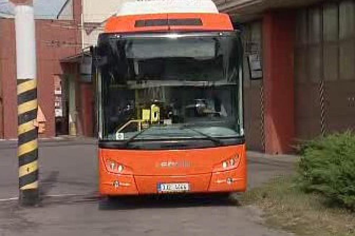 Autobus poháněný zemním plynem