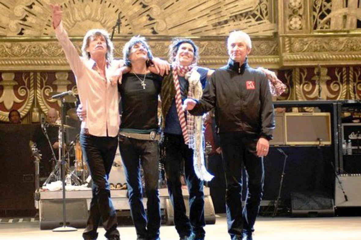 Rolling Stones v závěru Shine a Light