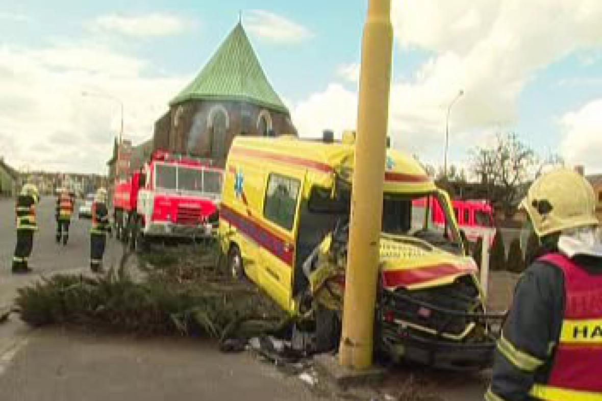 Tragická nehoda sanitky v Opavě