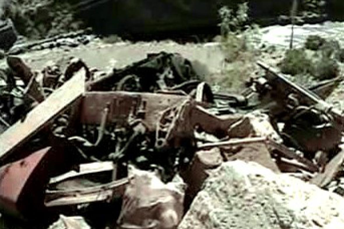 Trosky vozu po havárii