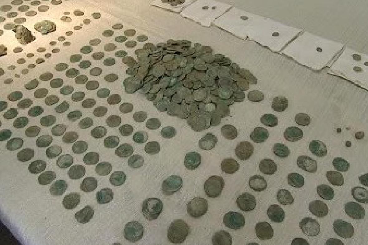 Mince z nalezeného pokladu