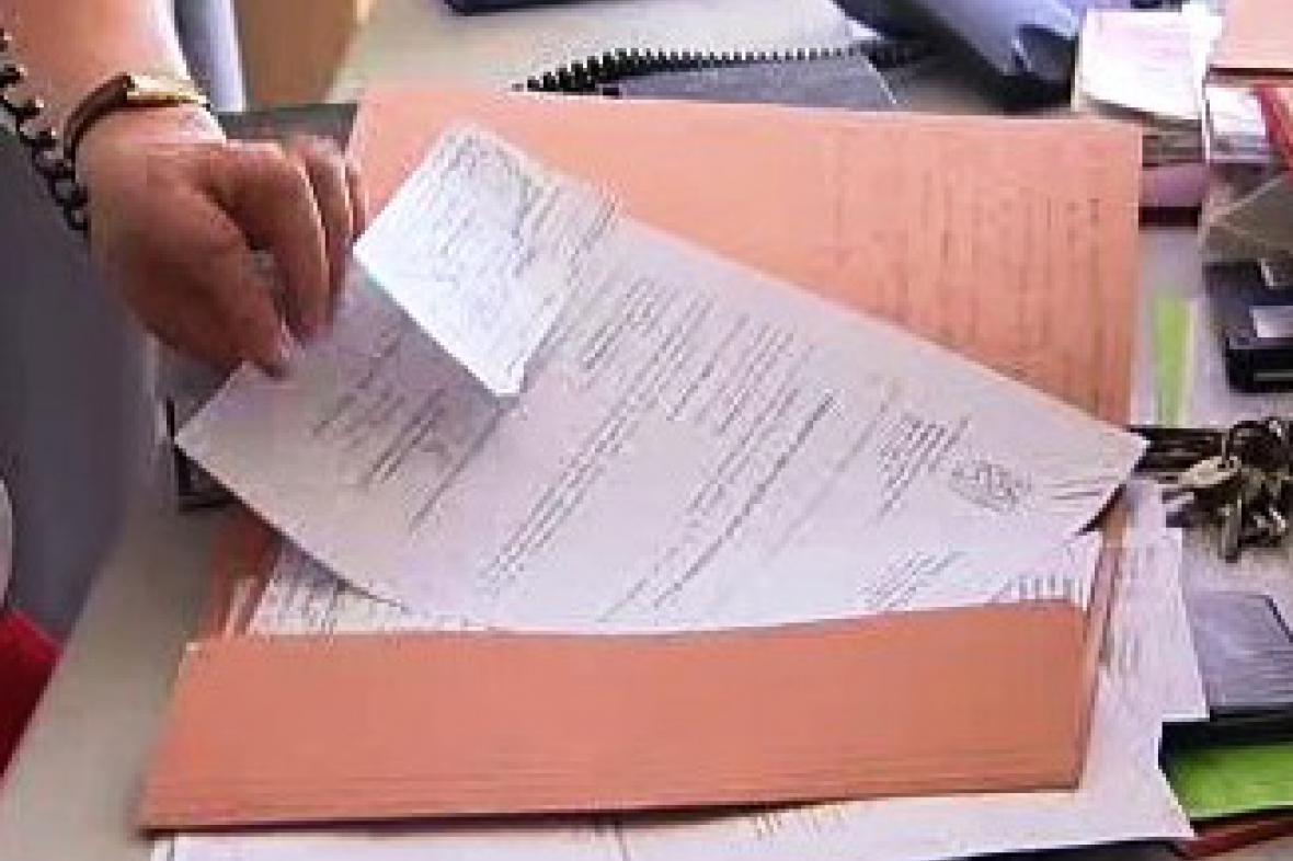 Úřednice z Turnova rozeslala firmám soupis 60 dlužníků za odvoz odpadu.