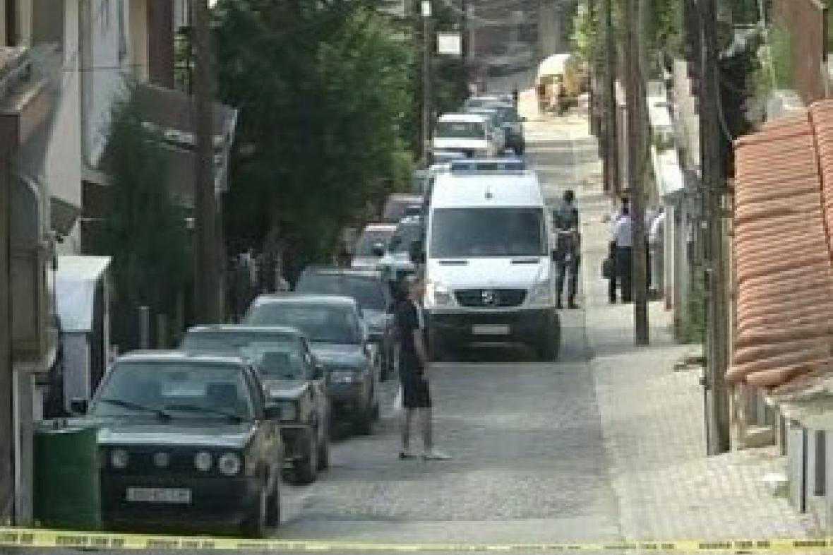 Ulice před sídlem kosovského premiéra