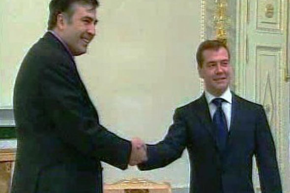 Michail Saakašvili a Dmitrij Medveděv