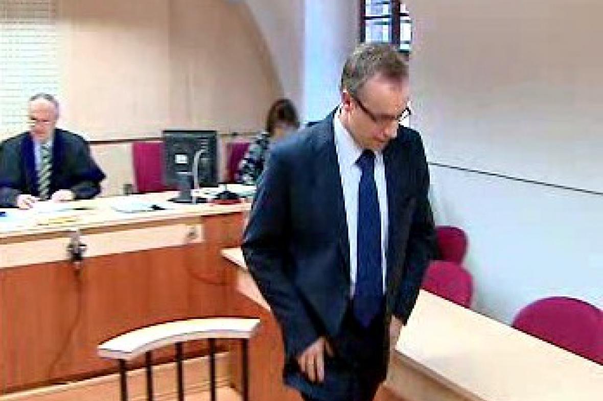Poslanec Ondřej Plašil u soudu