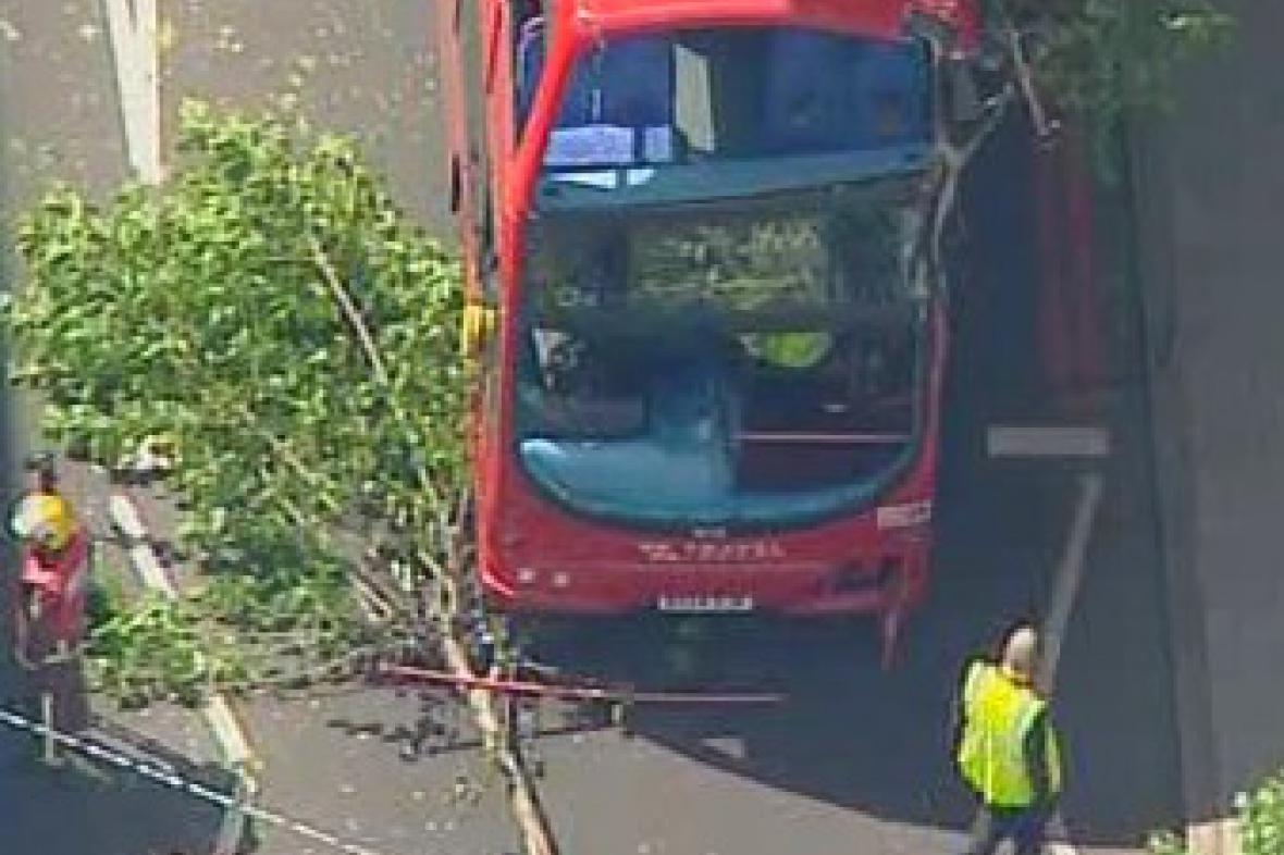 Nehoda londýnského autobusu