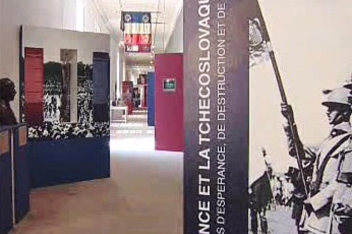 Česko-francouzská výstava v Paříži