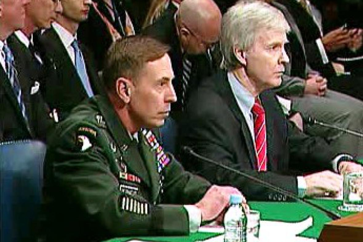 David Petraeus a Ryan Crocker