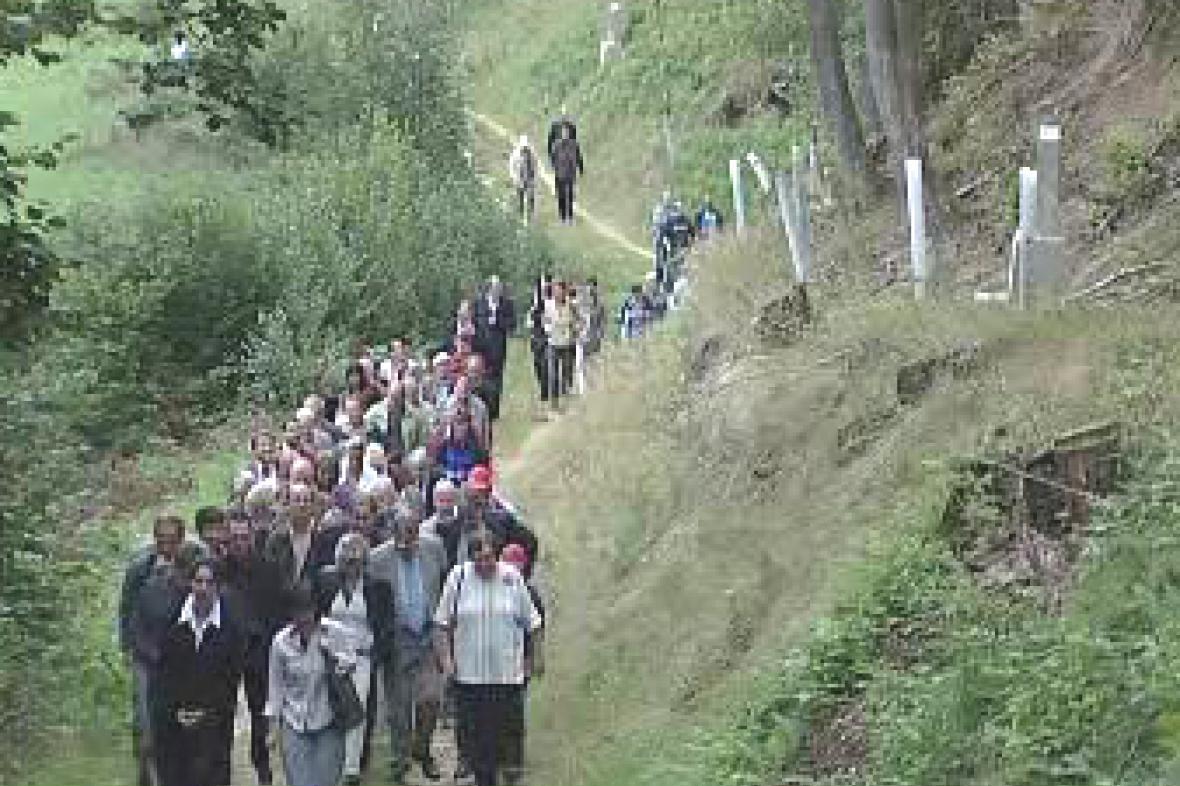 Křížová cesta v obci Cetviny