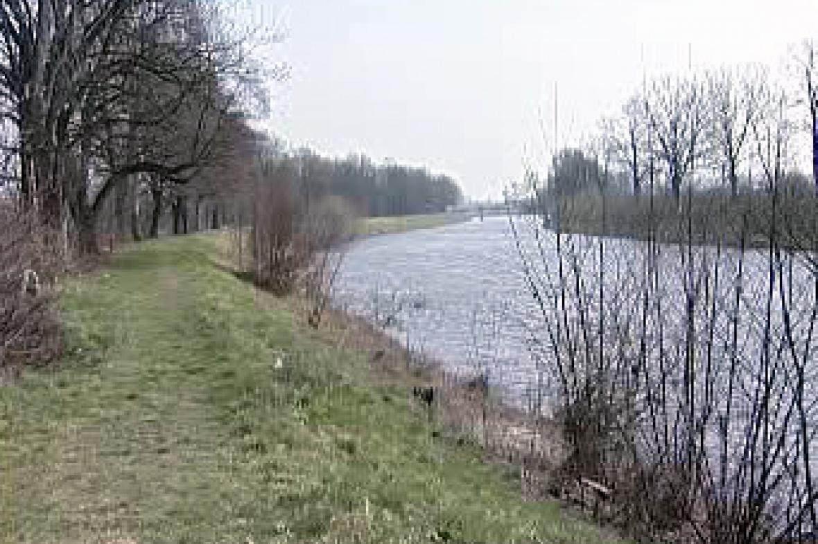 Labe před Pardubicemi