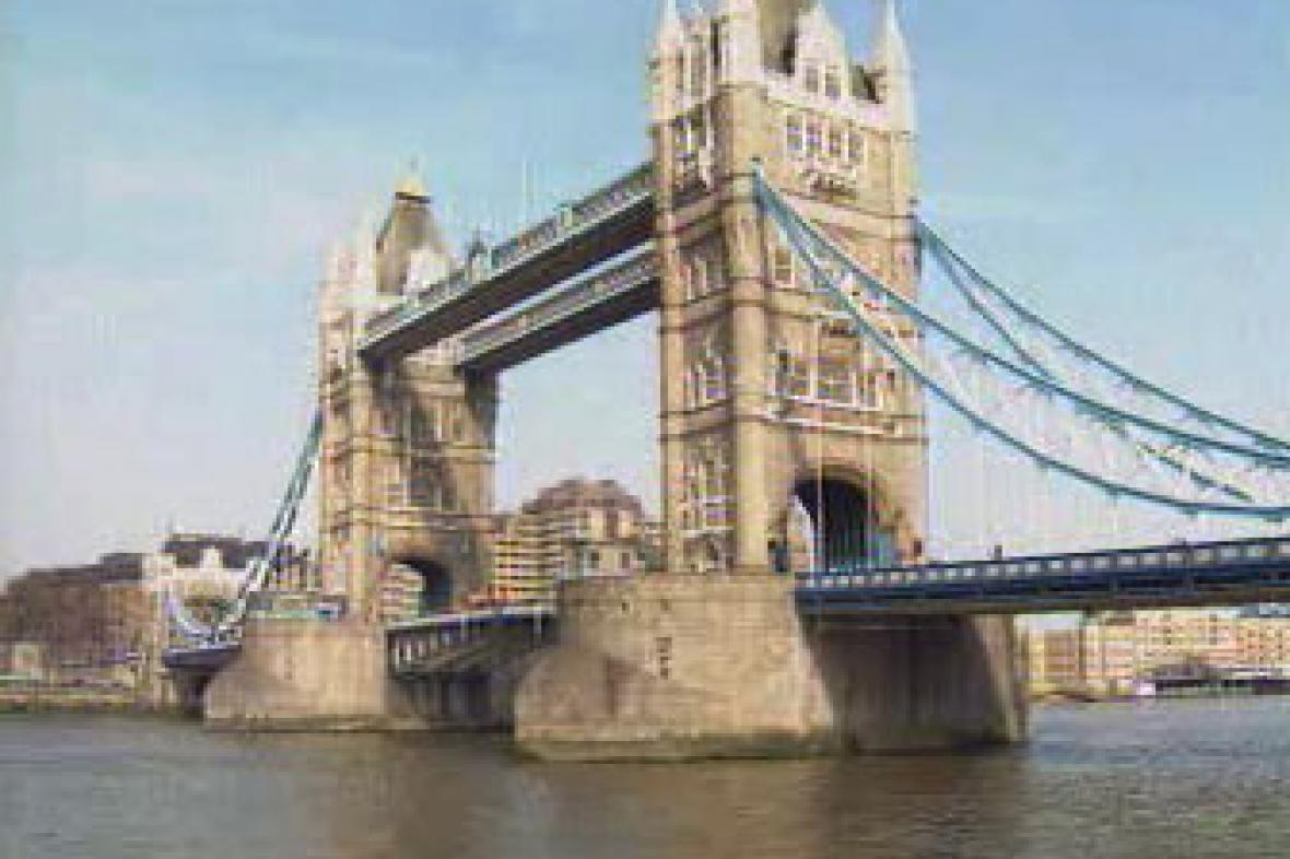 Londýnský Tower Bridge