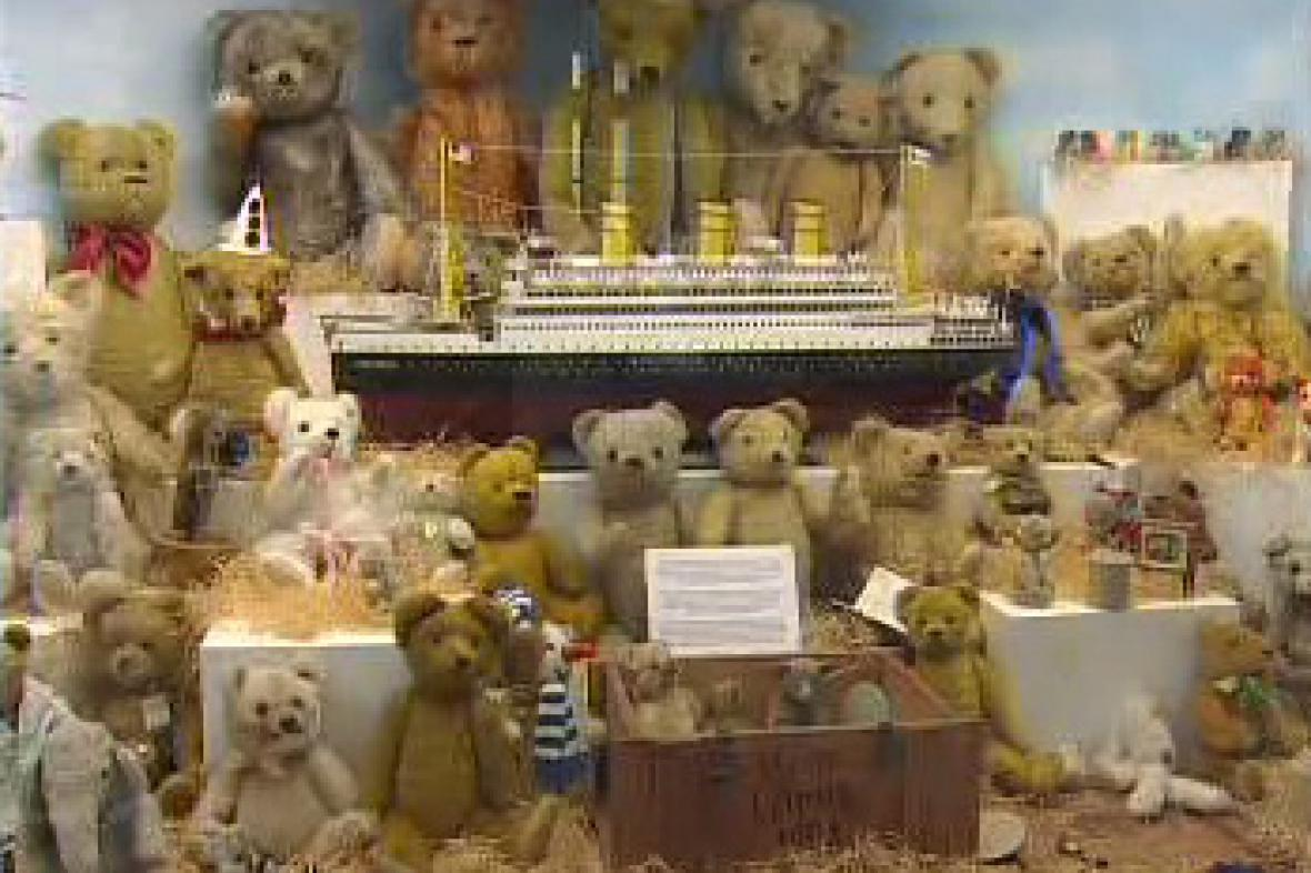 Medvídci Teddybear v pražském Muzeu hraček