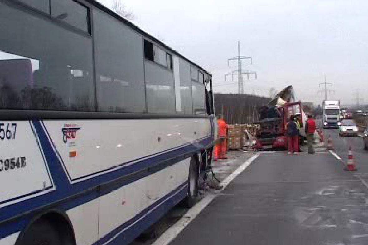 Nehoda na hradecké dálnici