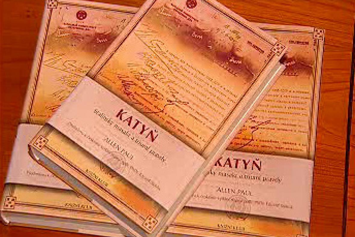 Titulní strana knihy Katyň