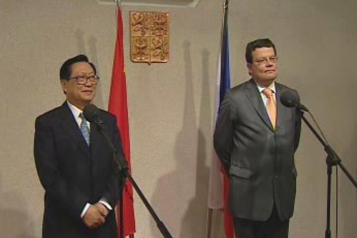 Chu Ťien-min a Alexandr Vondra