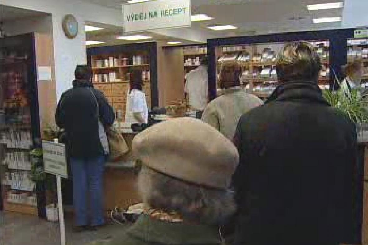 V lékárně