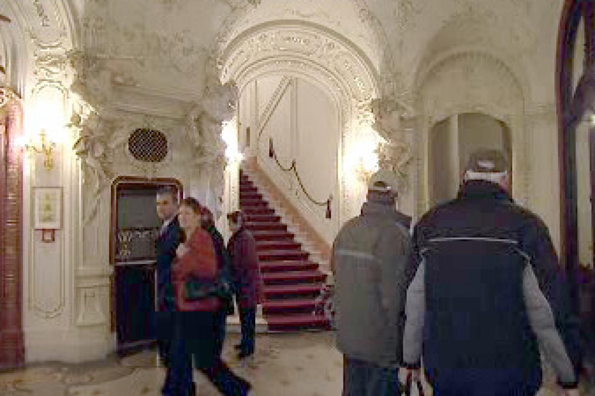 Karlovarské Divadlo Bez zábradlí