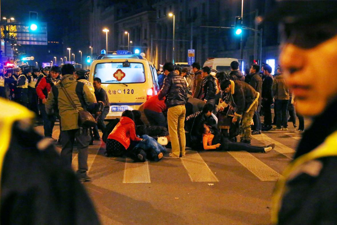 Po tlačenici v Šanghaji zůstali zranění i mrtví