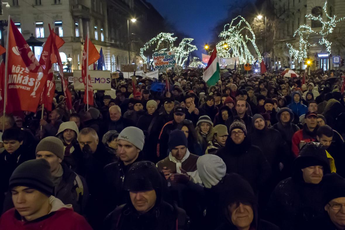 Protesty v Maďarsku proti premiérovi Viktoru Orbánovi