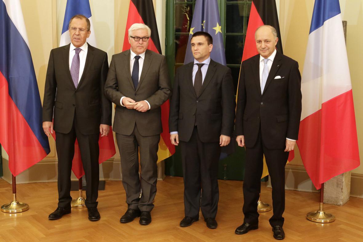 Sergej Lavrov, Frank-Walter Steinmeier, Pavlo Klimkin a Laurent Fabius