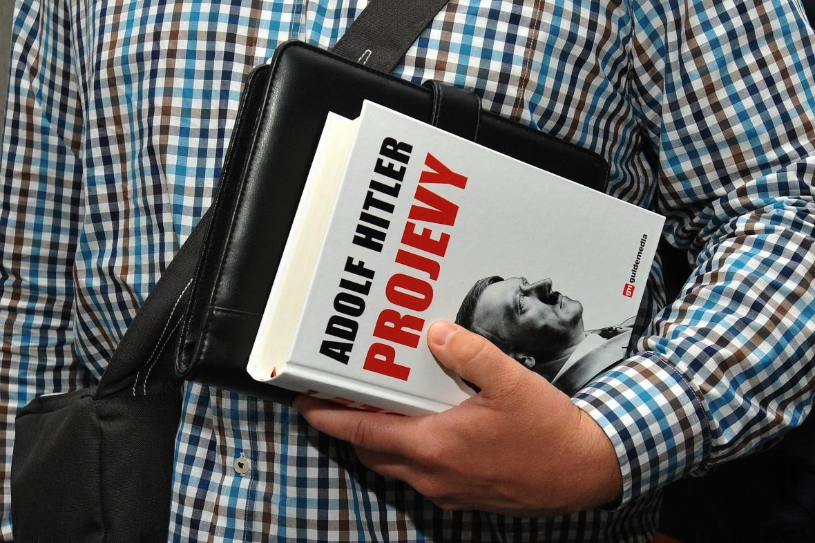 Kniha Adolf Hitler: Projevy