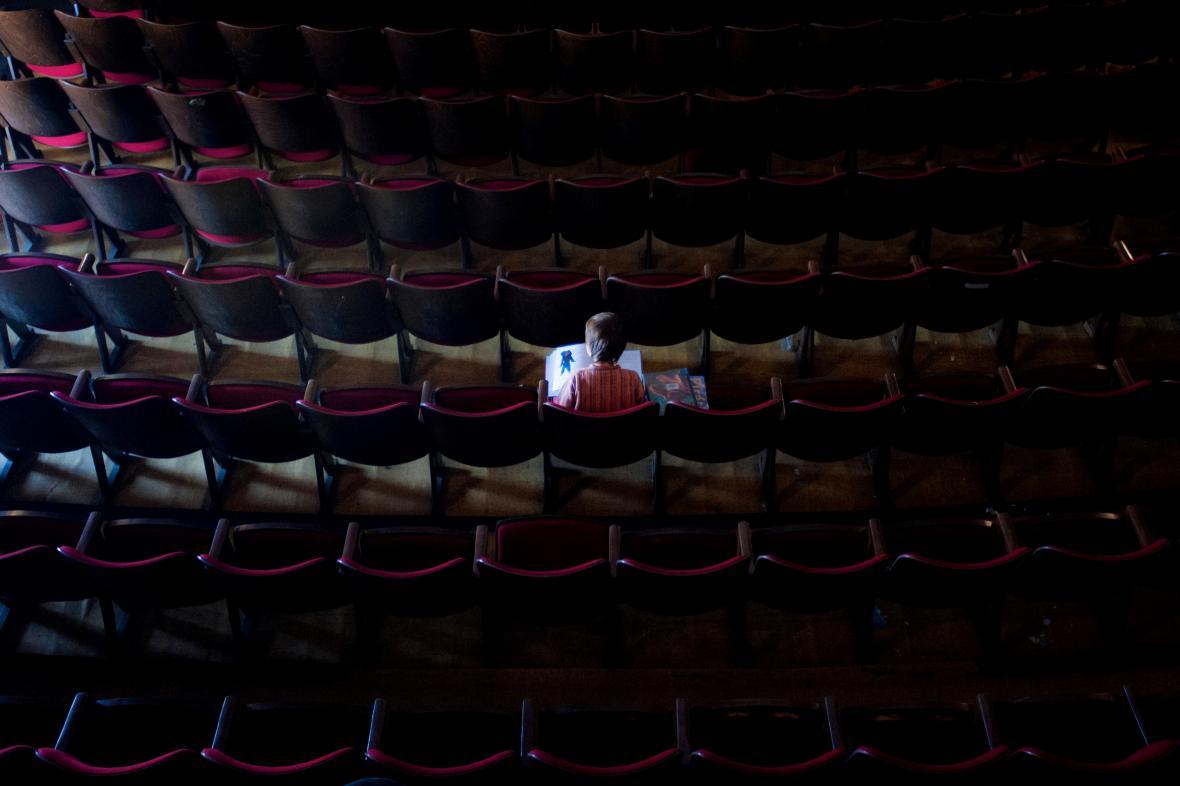 Sál libereckého kina Varšava před rekonstrukcí