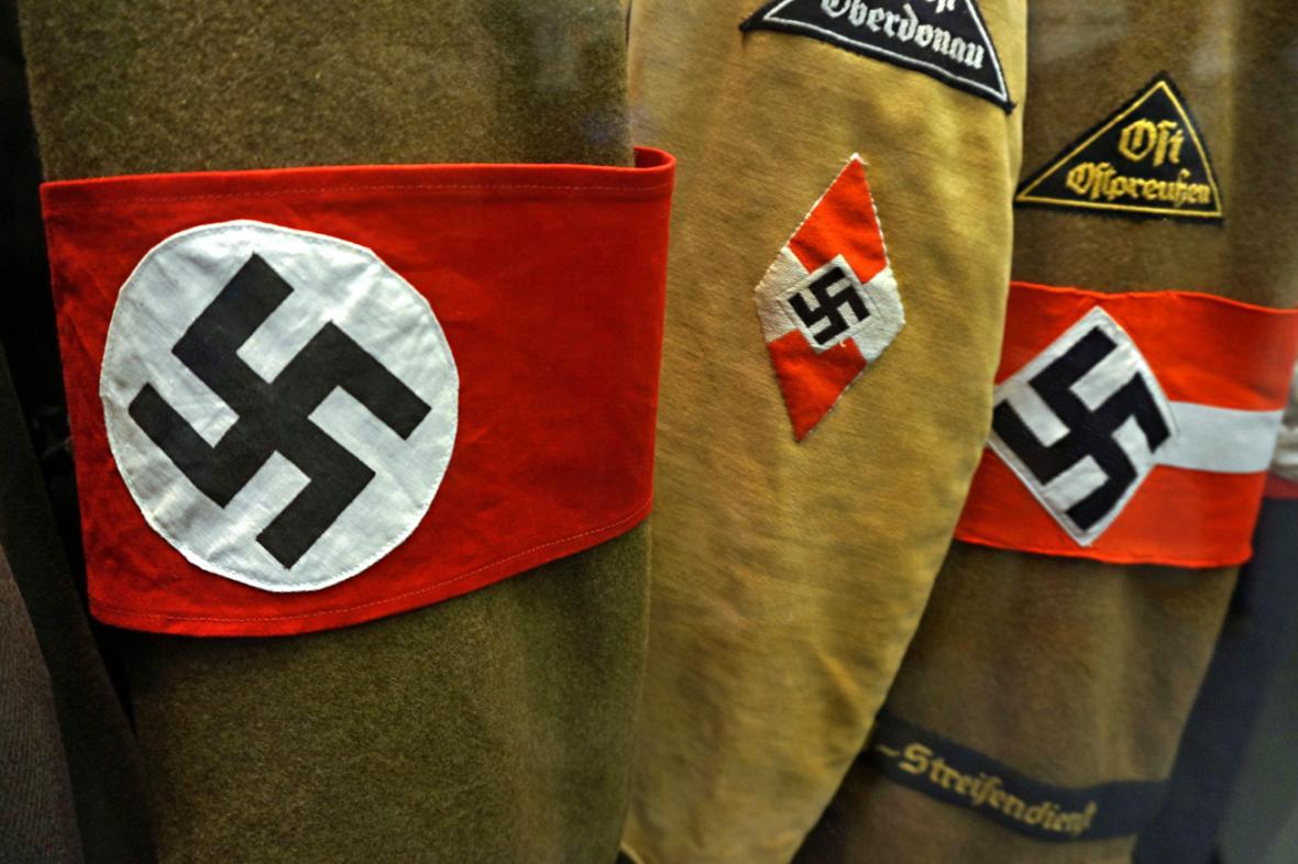 Nacistické uniformy v berlínském historickém muzeu