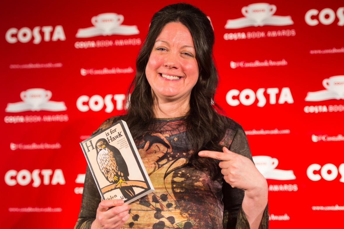 Helen Macdonald vyhrála Costa Book Award